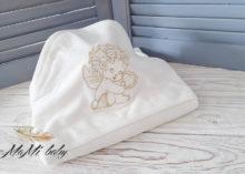 Крестильное полотенце с уголком «Ангелочек» (золото)