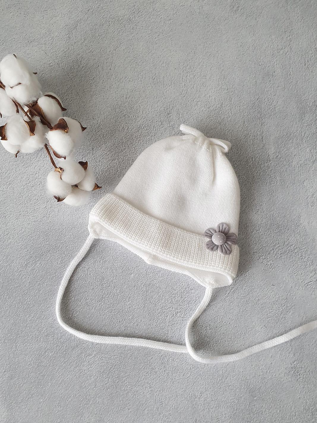 Демисезонная шапка «Цветок» (белая) 0-4 мес