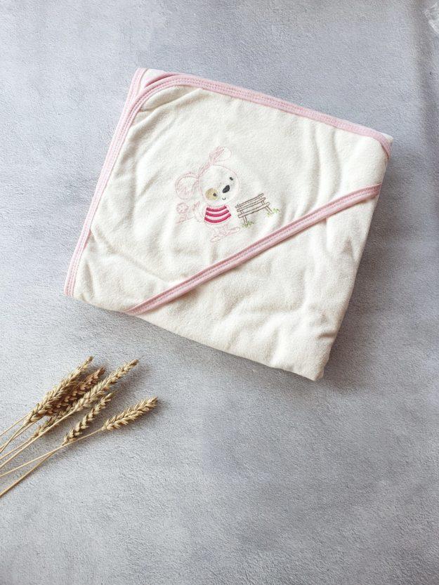 Махровое полотенце с капюшоном для девочки