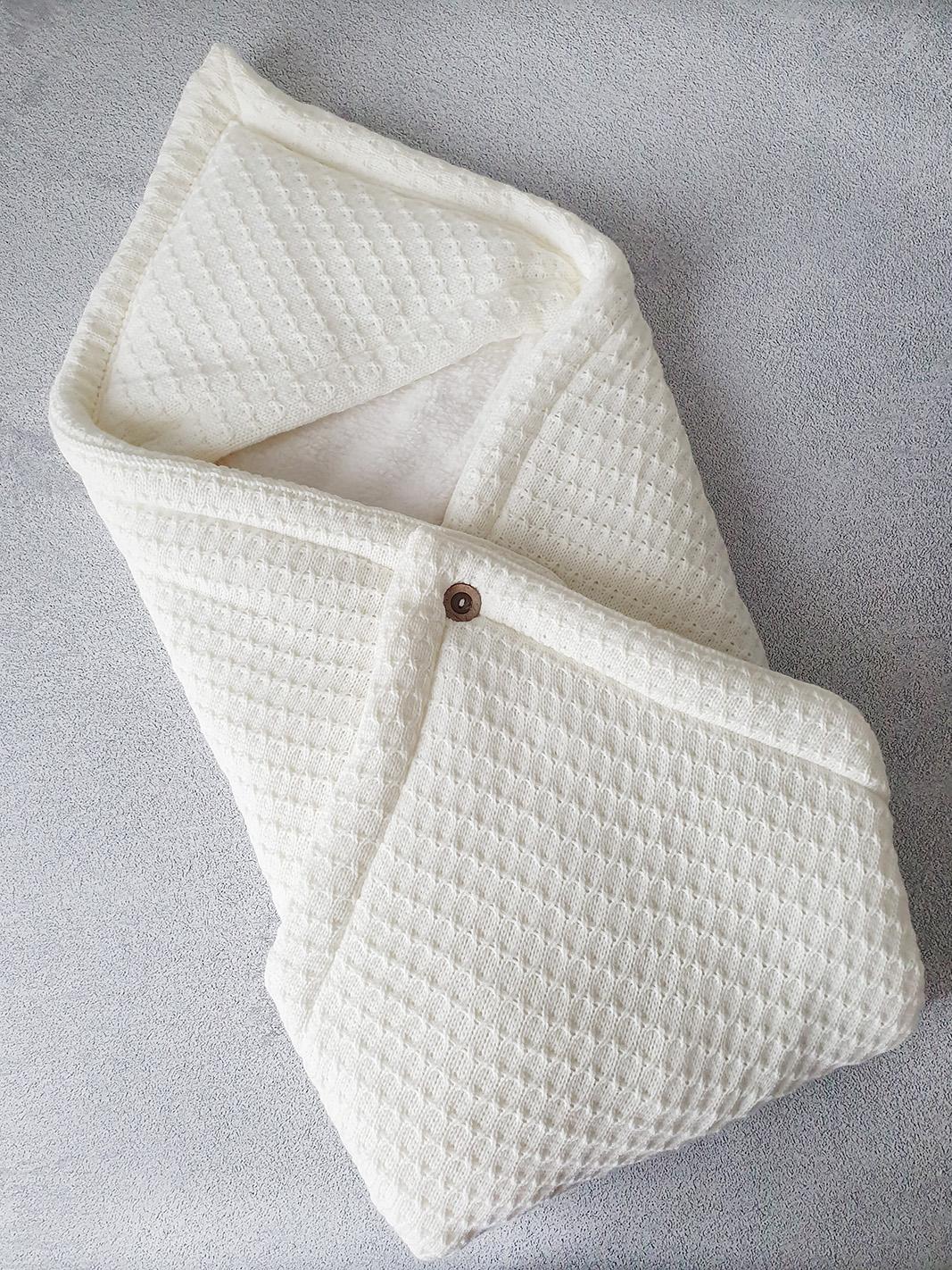 Теплый плед-конверт (молочный)